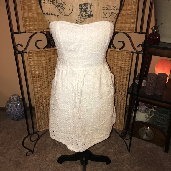 Poetry Dresses & Skirts - Poetry White Eyelet Strapless Sundress